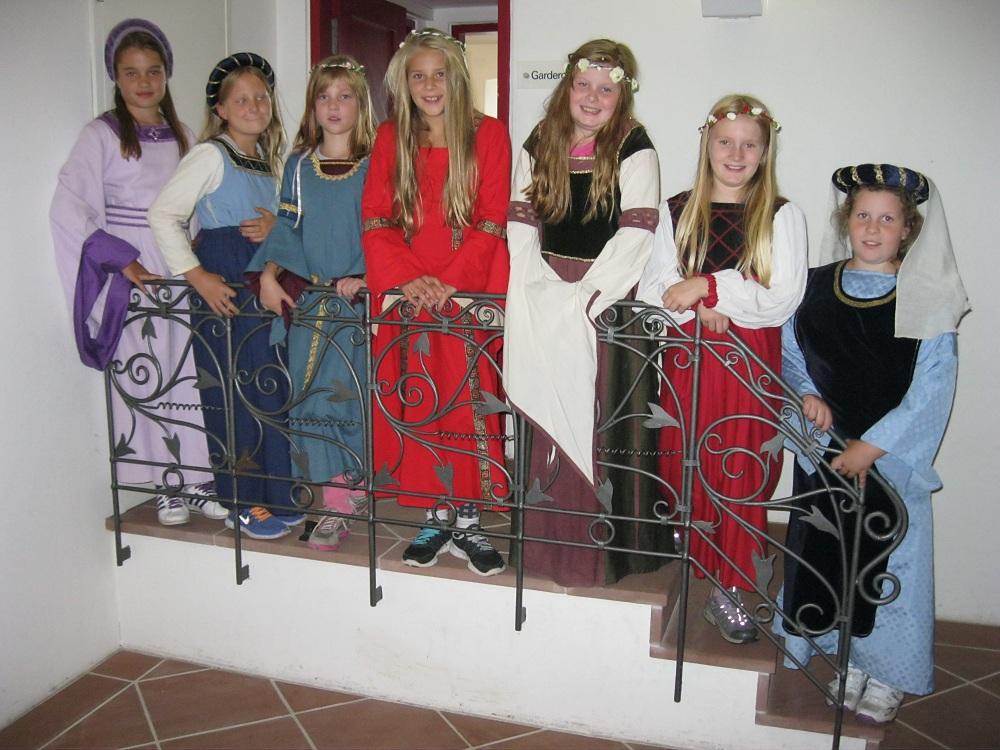 Die Burgfräulein der Klasse 4